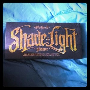 Kat Von D shade+Light glimmer eye contour pallet